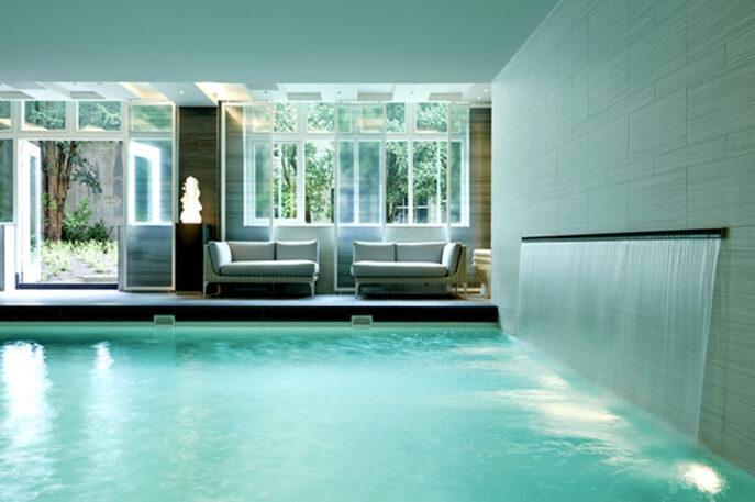 Luxury hotel delegation Amsterdam ZOYO Travel
