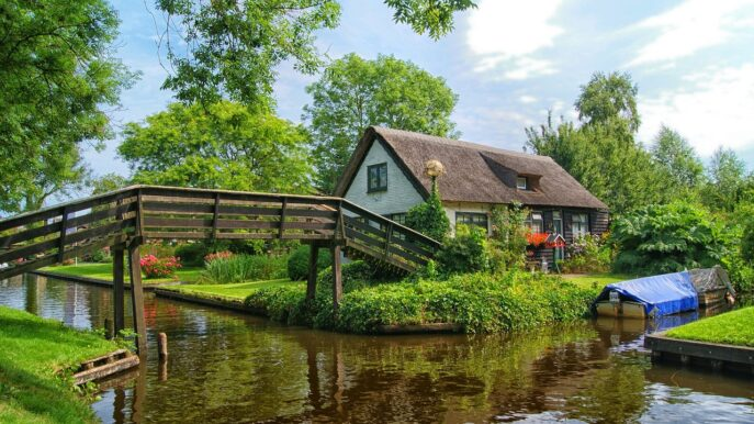 Private walking tour Giethoorn