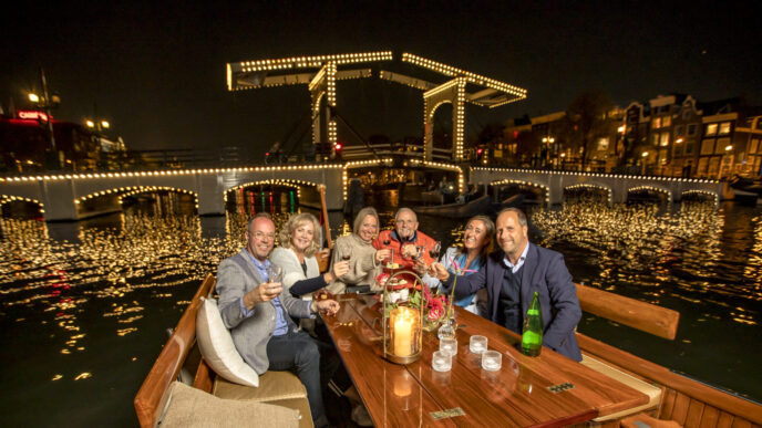 Private-night-canal-cruise-Amsterdam