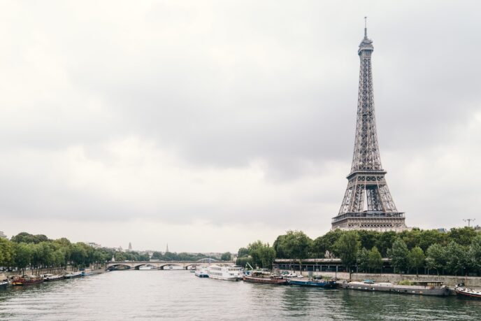 amsterdam day tour to paris