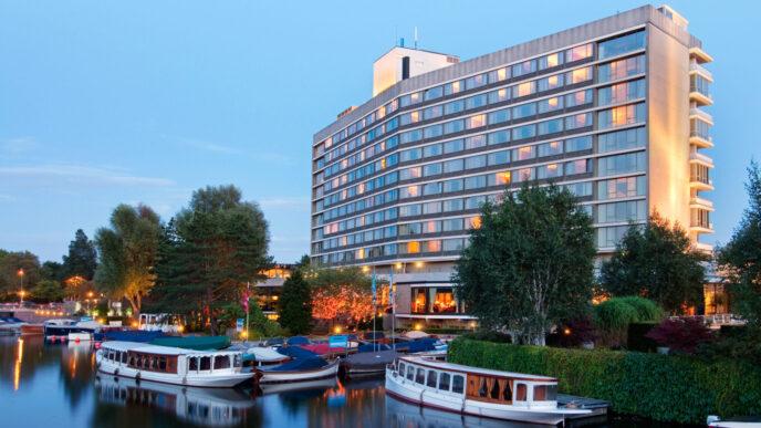 Luxury-hotel-Hilton-Amsterdam