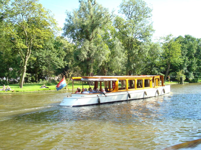 Private-boat-cruise-Amsterdam
