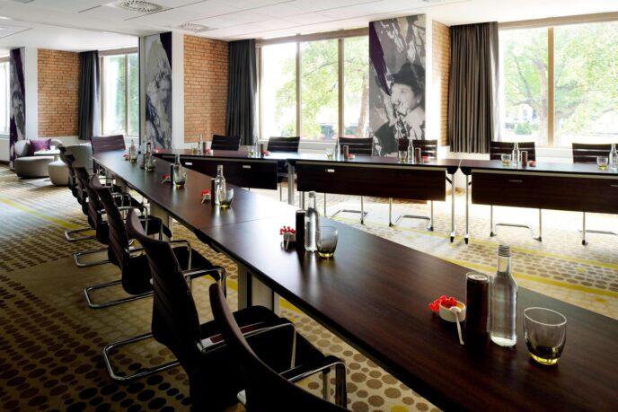 congress-room-Marriott-Amsterdam