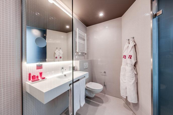 Nhow-Amsterdam-bathroom