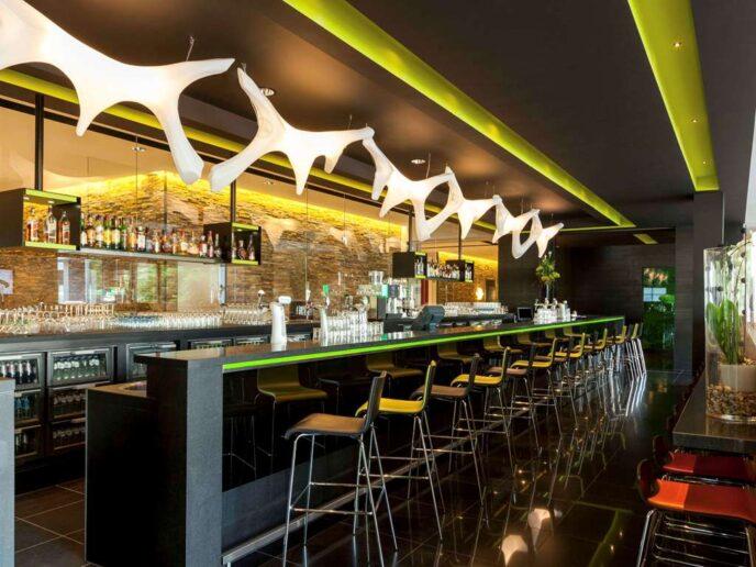 Novotel-Amsterdam-city-bar
