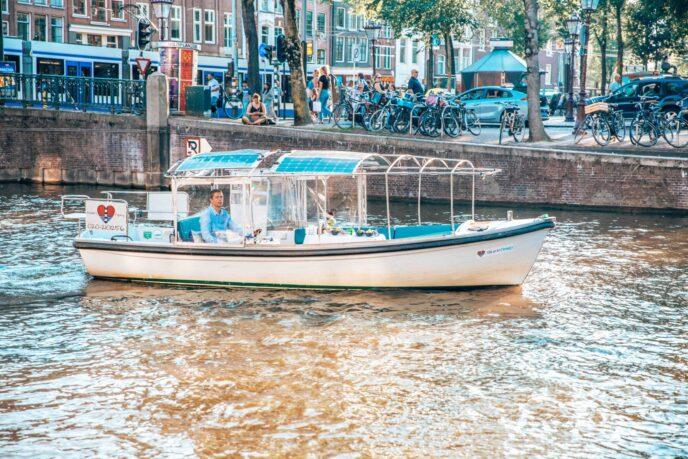 Romantic-boat-Amsterdam