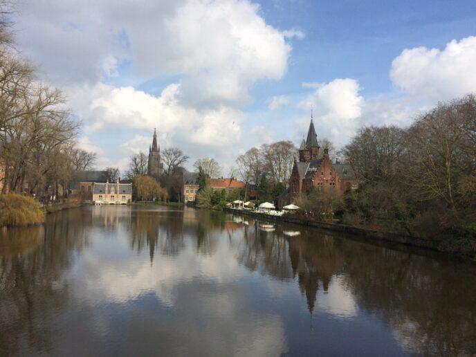 Tour-romantic-minnewaterpark-Brugge-Belgium